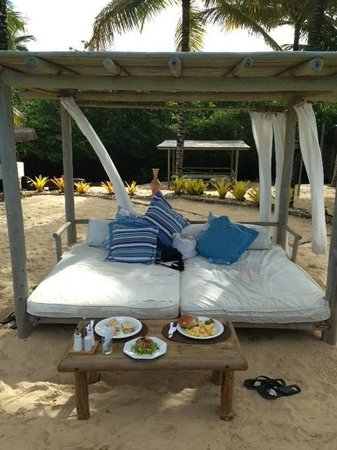Villas de Trancoso Restaurant : Private Beds