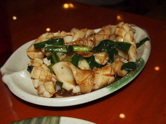H K  Wonton Garden : squid in ginger sauce