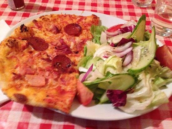 Mamma Mia: half pizza and salad only £4:50!
