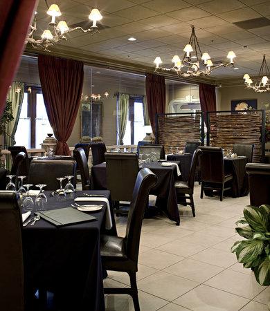 Carriage House Inn: 9030 Dining Room