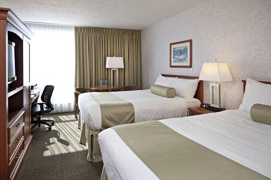 Carriage House Inn: Superior Room