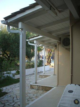 Mentikas Studios: atrio