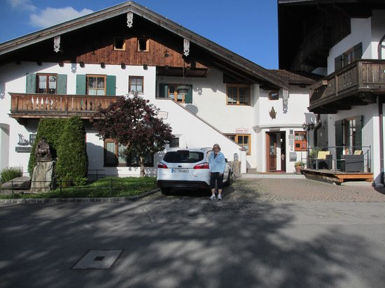 Hotel Ferienhaus Fux: front of Hotel Garni Fux