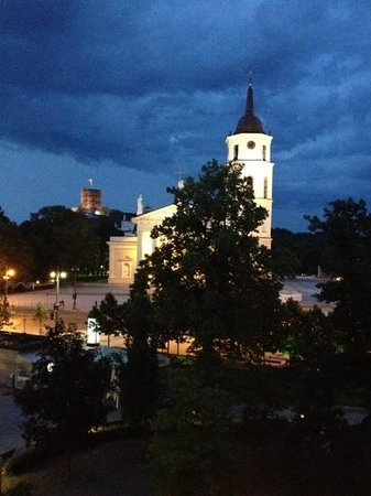 Vilnius Boutique Apartments: what a view 10:30pm