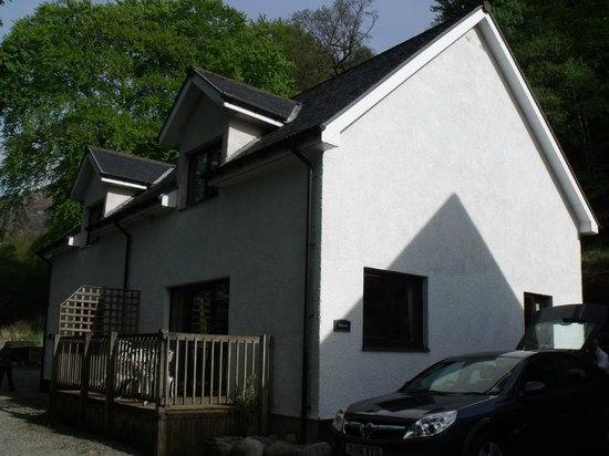 Corrie Duff Guest House And Holiday Cottages : Outside of cottage