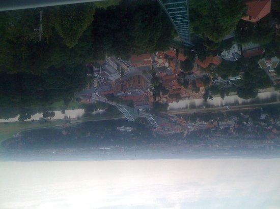 Blaues Wunder (Loschwitzer Brücke): Blaues Wunder - Sicht von der Standseilbahn aus