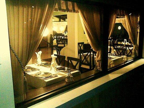 Restaurante La Farola: Vista del restaurante desde fuera