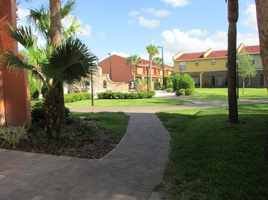 Fantasy World Club Villas: Path to pool, other townhouses. Very nicely maintained.