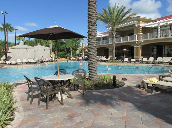 Fantasy World Club Villas: Main pool. Building to right has activities rooms.