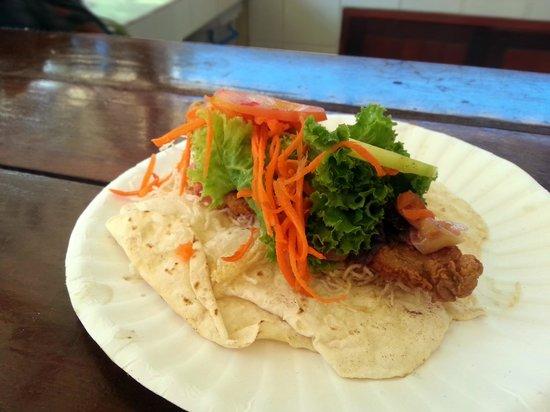 Taco Shack Hostel and Restaurant: Fish taco