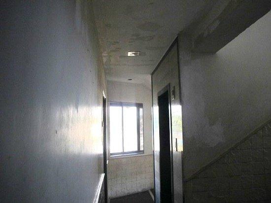 Hotel JK Regency: Another hallway view