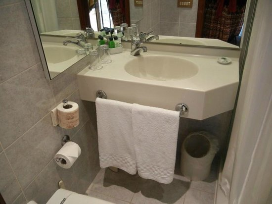Relais Santa Chiara Hotel: Sink