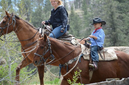 Lost Valley Ranch: Horseback riding with our kids counselor