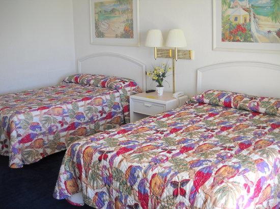 Seahawk Inn & Villas: Oceanfront Rooms