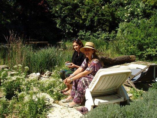 Les Jardins du Village: nos délicieuses hotesses