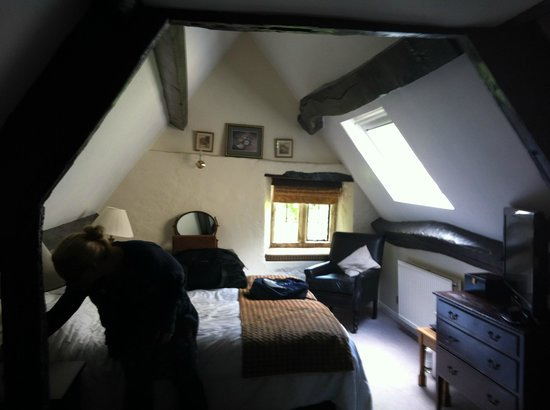 Charingworth Manor: Comfortable rooms, but mind your head!!