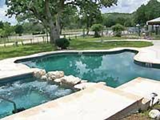 Hill Country Resort and Event Center: Pool