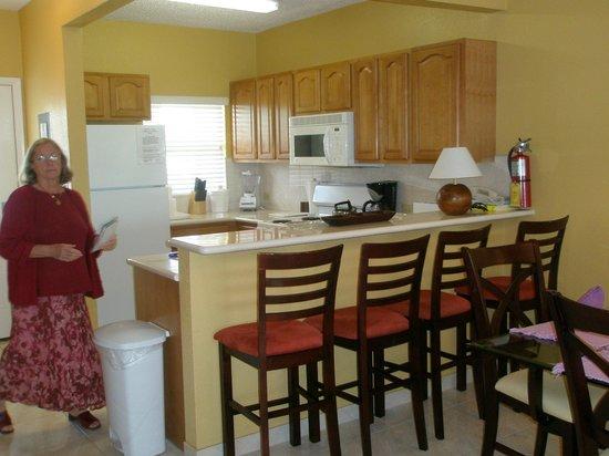 Plantation Village Beach Resort: kitchen in 2 bedroom unit