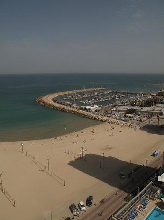Renaissance Tel Aviv Hotel: Gordon beach
