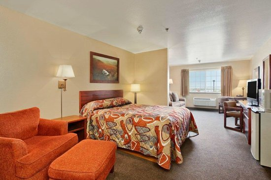 Super 8 Grangeville: Rooms are furnished beautifully.