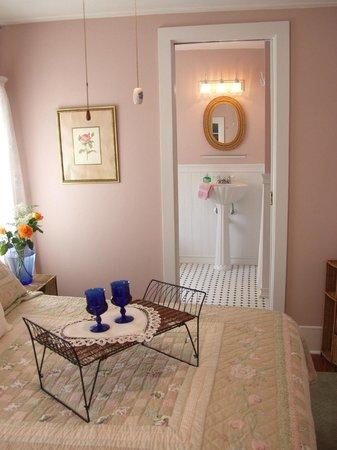 Inn Shepard's Park Bed and Breakfast: Rose & Romance