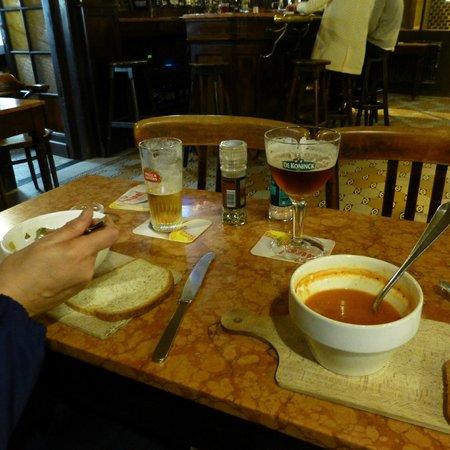 De Kat: Excellent soup dinner