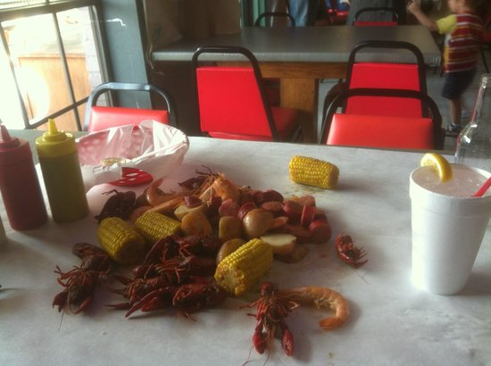 The Boiling Pot: Awesome Cajun Style food