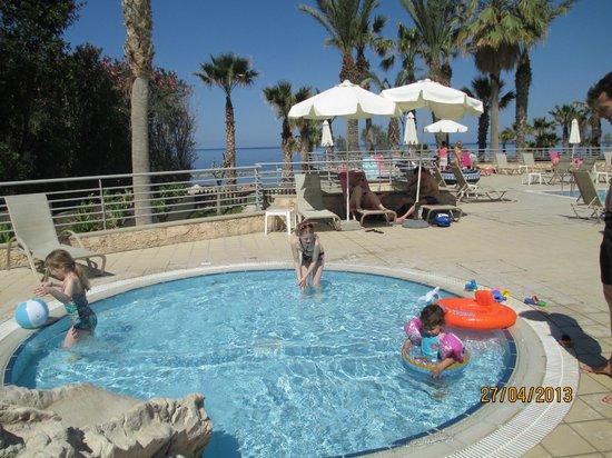 St. George Gardens Hotel Suites: piscina de ninos