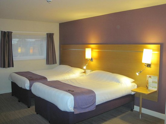Premier Inn Manchester Airport (M56/J6) Runger Lane South: Family room