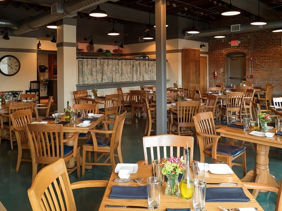 Trio Restaurant & Bar: Another angled view of the interior of the restaurant right after they opened