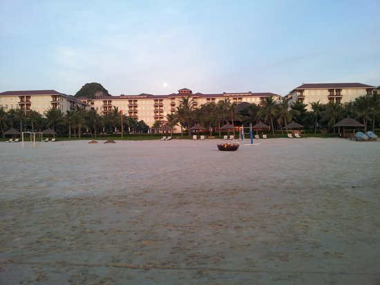 Vinpearl Da Nang Resort & Villas : View from beach