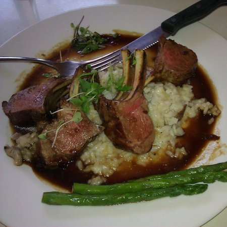 Duner's: Lamb and asparagus on risoto...fantastic!