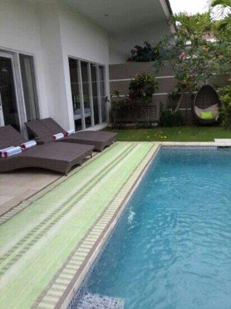 Bali Cosy Villa: pool area