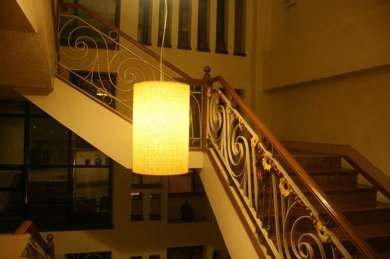 ‪‪Holiday Park Hotel‬: Stairway by night‬