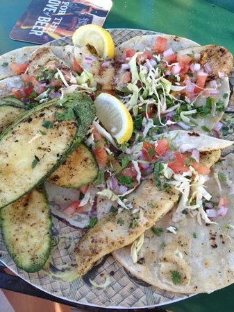 Palm Street Pier Restaurant and Bar: grilled fish tacos