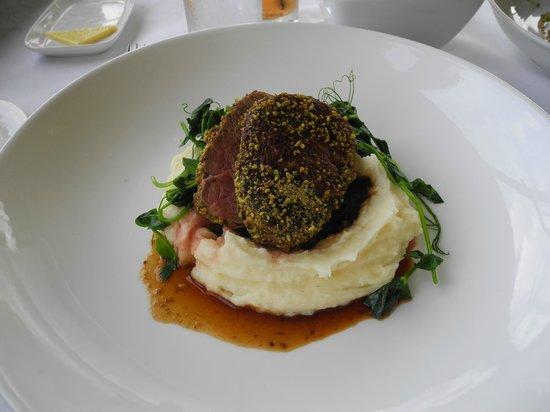 Banjo Paterson Cottage Restaurant: veal tenderloin