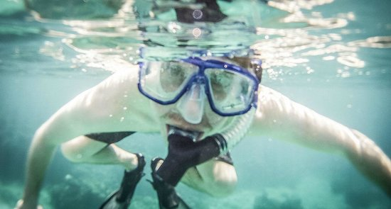 Coral Cove Resort: Snorkelling in the cove