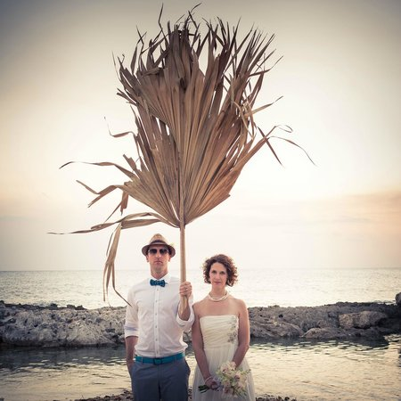 Coral Cove Resort : Official wedding portrait