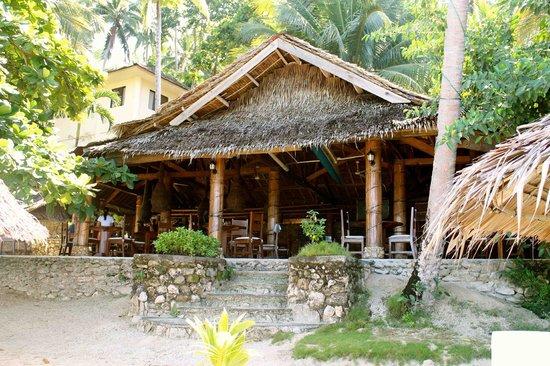 Easy Diving and Beach Resort: Das Restaurant am Strand