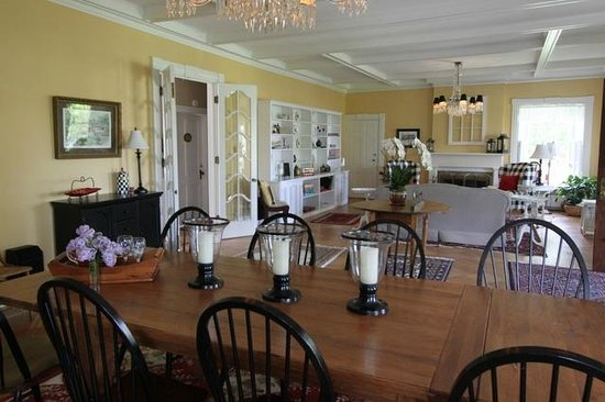 Dining Room Picture Of Canandaigua Cobblestone Cottage Bed And Breakfast Tripadvisor