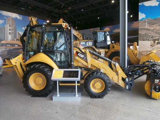 Caterpillar Visitors Center: 420F IT Backhoe Loader