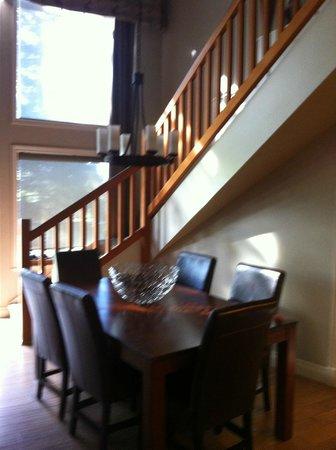 ذي أولد هاوس هوتل آند سبا: stairs to the bedroom