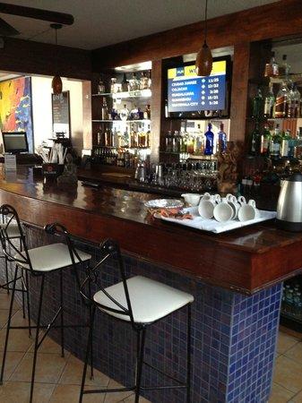 Flamingo Hotel: Beautiful bar!