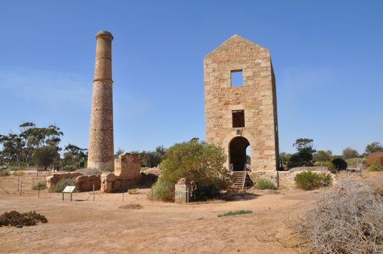 Moonta, Australia: Hughes Mine engine house and chimney, one of the two chimneys remaining in the area.