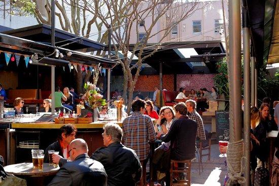 Southern Cross Garden Bar Restaurant: Garden Bar