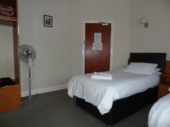 Shepiston Lodge Heathrow: Clean