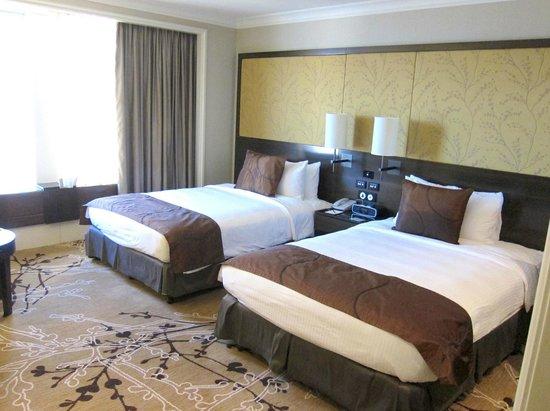 Shangri-La Hotel Sydney: Nice Comfortable Bed