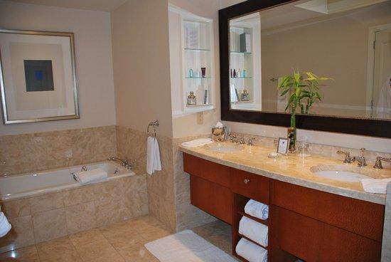 The Ritz-Carlton, Boston : Bathroom