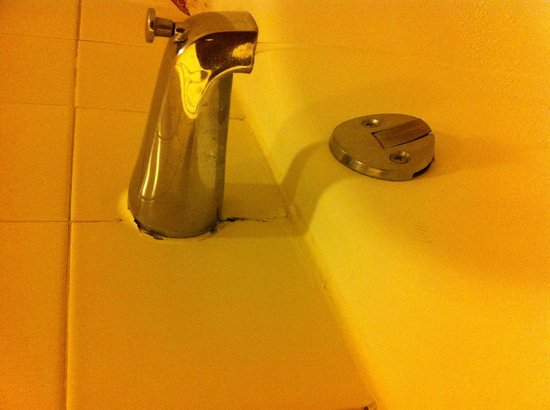 Sheraton Atlanta Hotel: Rust on bathroom