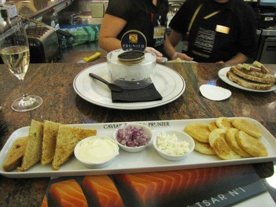 Caviar House Oyster Bar: caviar plate
